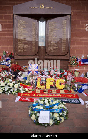 (190415) -- LIVERPOOL, April 15, 2019 (Xinhua) -- A wreath of flowers left by the directors, players, staff and supporters of Chelsea FC at the memorial to the 96 victims of the Hillsborough Stadium Disaster, is pictured before the English Premier League match between Liverpool FC and Chelsea FC at Anfield in Liverpool, Britain on April 14, 2019. April 15 marks the 30th anniversary of the disaster. (Xinhua) FOR EDITORIAL USE ONLY. NOT FOR SALE FOR MARKETING OR ADVERTISING CAMPAIGNS. NO USE WITH UNAUTHORIZED AUDIO, VIDEO, DATA, FIXTURE LISTS, CLUB/LEAGUE LOGOS OR 'LIVE' SERVICES. ONLINE IN-MATC - Stock Photo