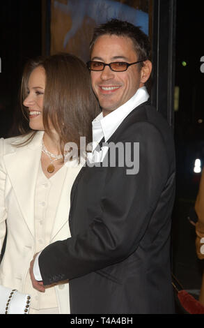 LOS ANGELES, CA. November 13, 2003: Actor ROBERT DOWNEY JR. & fiancŽe SUSAN LEVIN at the world premiere, in Los Angeles, of their new movie Gothika. - Stock Photo