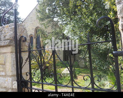 15th Apr 2019. St Nicolas Church, Forest Hill, Oxfordshire, UK. - Stock Photo