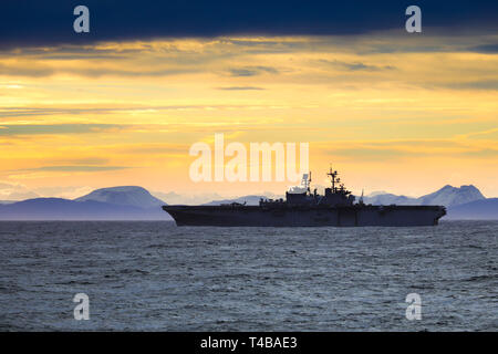USS Iwo Jima a Wasp class amphibious assault carrier - Stock Photo