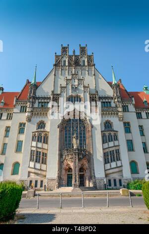 Amtsgericht Wedding, Brunnenplatz, Gesundbrunnen, Mitte, Berlin, Deutschland - Stock Photo