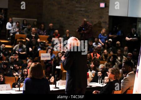 Warren, Ohio, USA. 14th Apr, 2019. Senator BERNIE SANDERS speaks at the Ohio Workers Town Hall with AFT President Randi Weingarten, at the Lordstown High School, in Warren, Ohio on Sunday, April 14, 2019. Credit: Preston Ehrler/ZUMA Wire/Alamy Live News - Stock Photo