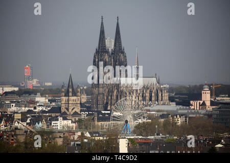 16 April 2019, North Rhine-Westphalia, Köln: The cathedral in Cologne. Photo: Oliver Berg/dpa - Stock Photo
