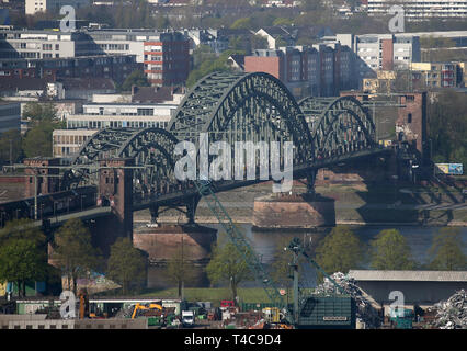 16 April 2019, North Rhine-Westphalia, Köln: The South Bridge in Cologne. Photo: Oliver Berg/dpa - Stock Photo