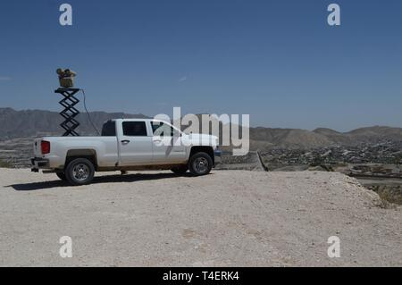 A Mobile Surveillance Camera parked at 'Monument One' near the Santa Teresa Port of Entry in Sunland Park, N.M., April 3, 2019. The Monument One MSC is one of 22 along the New Mexico/Mexico border operated by Soldiers assigned to 1-37 Field Artillery Battalion. The Department of Defense has deployed units across the Southwest Border at the request of U.S. Customs and Border Protection and is providing logistical, engineering, and force protection functions. - Stock Photo