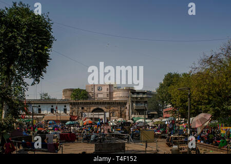 04-nov-2017-small daily market outside of Bhadra Fort-Part of Old Ahmedabad now UNESCO world Heritage site- AMDAVAD Gujarat INDIA asia - Stock Photo