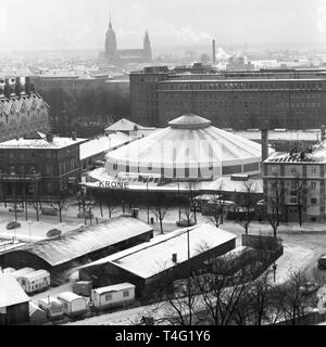 View of the new building of Circus Krone in Munich. This circus rotunda is the most modern one in Europe at the moment (undated archive picture from January 1963). | usage worldwide - Stock Photo
