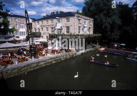 The Head of the River pub beside the River Thames from Folly Bridge in Oxford, Britain - Stock Photo
