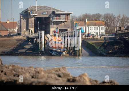 Shoreham-by-Sea, Sussex. 24th Feb 2019. Shoreham Harbour RNLI All-Weather Lifeboat launches on training. Credit: Craig Searle - Stock Photo