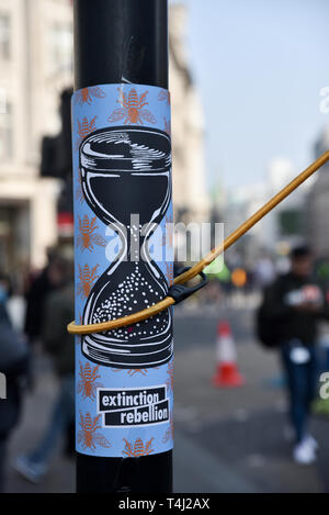 Oxford Circus, London, UK. 17th Apr, 2019. Extinction Rebellion climate change protesters begin their third day. Credit: Matthew Chattle/Alamy Live News - Stock Photo