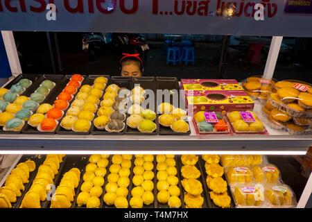 Dessert stall, Night Market, next to railway station, Sathani street, Trang, Thailand - Stock Photo