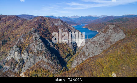 landscape with dam lake Vidraru in Romania - Stock Photo