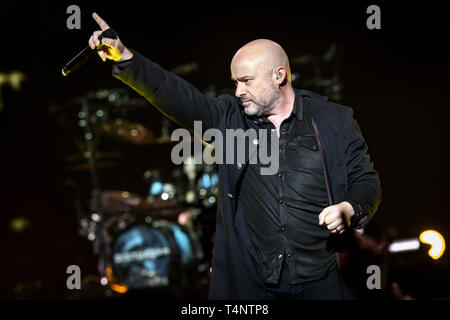 March 4, 2019 - Toronto, Ontario, Canada - American heavy metal band from Chicago, DISTURBED, performed a sold out show in Toronto. In picture: DAVID DRAIMAN, DAN DONEGAN, MIKE WENGREN, JOHN MOYER, ERICH AWALT, STEVE KMAK (Credit Image: © Angel Marchini/ZUMA Wire) - Stock Photo