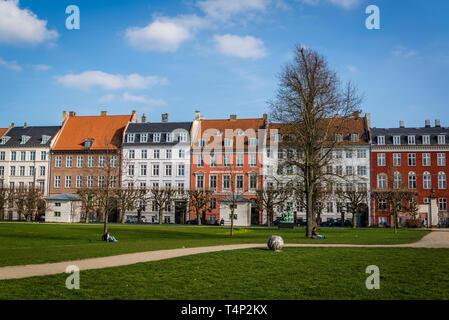 Posh townhouses along The King's Green park in the centre of Copenhagen, Denmark. - Stock Photo