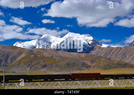 Qinghai–Tibet railway, a high-elevation railway on Tibetan Plateau in Tibet, China - Stock Photo