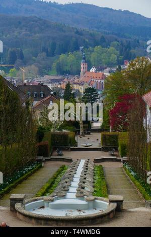 Blick über das Wasserparadies, zur Altstadt mit Stiftskirche in Baden-Baden - Stock Photo