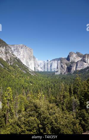 Yosemitie Valley, Half Dome and El Capitan from Tunnel View, Yosemiti National Park, California. - Stock Photo
