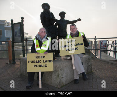 Cobh, Cork, Ireland. 20th April, 2019. On the arrival of the liner Saga Sapphire,  Cllr Diarmaid Ó Cadhla and Tony Cronin protest at the decision by the Port of Cork company to close the quayside public walk during the arrival of cruise liners in Cobh, Co. Cork, Ireland. Credit: David Creedon/Alamy Live News - Stock Photo