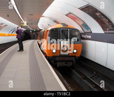 SPT subway train arriving at Bridge street subway station, Glasgow underground / subway - Stock Photo