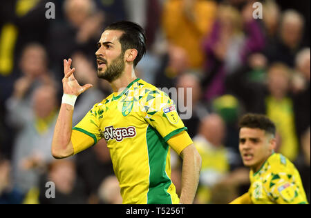 Norwich City's Mario Vrancic celebrates scoring his side's second goal of the game during the Sky Bet Championship match at Carrow Road, Norwich. - Stock Photo