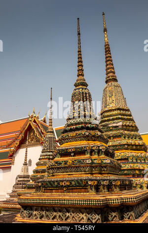 Thailand, Bangkok, Wat Pho, Phra Chedi Moo Ha, colourfully decorated memorial chedis to royal family - Stock Photo