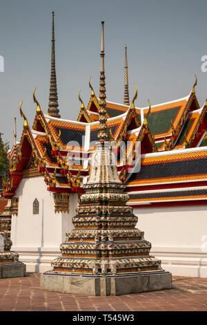 Thailand, Bangkok, Wat Pho, Phra Chedi Rai, colourfully decorated memorial chedis to royal family - Stock Photo