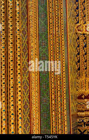 Thailand, Bangkok, Thanon Fuang Nakhon, Wat Ratchabophit Sathitmahasimaram, doorway decoration - Stock Photo