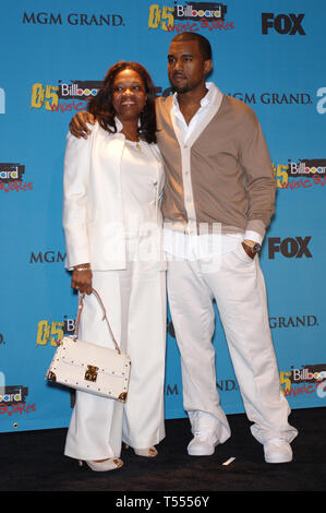 LAS VEGAS, NV. December 06, 2005: KANYE WEST & mother at the 2005 Billboard Music Awards at the MGM Grand, Las Vegas. © Paul Smith / Featureflash - Stock Photo