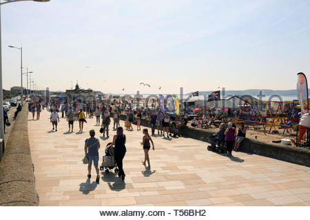 Bank Holiday Crowds at Weston Beach, Weston Super Mare, Somerset, UK - Stock Photo