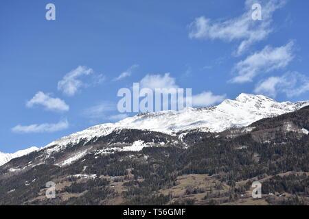 Osttirol, Ainet, Iseltal, Schobergruppe, Hochschober, Dorf, Weg, Straße, Feld, Siedlung, Tal, Feld, Felder, Landwirtschaft, Frühling, Kirchturm, Grenz - Stock Photo