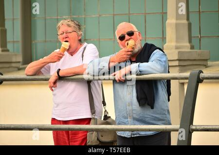 Aberystwyth Ceredigion Wales UK, Easter Monday 22 April 2019. People at the seaside in Aberystwyth enjoying yet another day of fine warm weather, though slightly overcast and not as hot as the past few record-breaking days photo Credit: keith morris/Alamy Live News - Stock Photo
