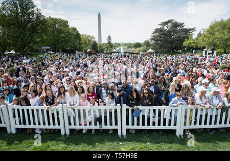 Washington, District of Columbia, USA. 22nd Apr, 2019. Crowds wait for the start of the White House Easter Egg Roll at the White House in Washington, DC on April 22, 2019. Credit: Kevin Dietsch/Pool via CNP Credit: Kevin Dietsch/CNP/ZUMA Wire/Alamy Live News - Stock Photo
