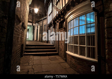 Lady Pecketts Yard, an alley way in York, Yorkshire. Also known as Lady Peckitts Yard. Like being in Diagon Alley, Harry Potter. - Stock Photo
