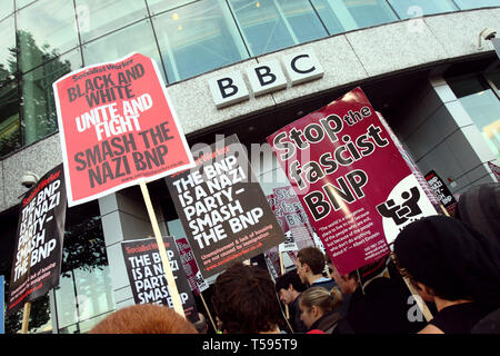 UAF demo opposing the invitation of BNP leader Nick Griffin on Question Time. BBC Television Centre, London.22/10/2009 - Stock Photo