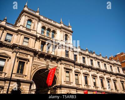 Royal Academy of Arts, Burlington House, Piccadilly Mayfair, London, England, UK, GB. - Stock Photo