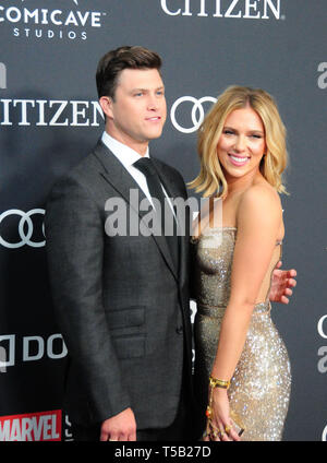 Los Angeles, California, USA 22nd April 2019  Actor Colin Jost and actress Scarlett Johansson attend the World Premiere of Marvel Studios' 'Avengers: Endgame' on April 22, 2019 at Los Angeles Convention Center in Los Angeles, California, USA. Photo by Barry King/Alamy Stock Photo - Stock Photo