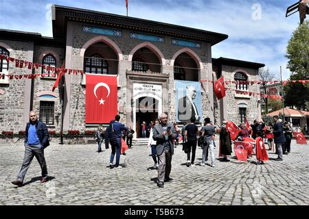Ankara, Turkey. 23rd Apr, 2019. People and children visit the first building of the Grand National Assembly of Turkey (TBMM) to mark National Sovereignty and Children's Day. Turkey on April 23 celebrates National Sovereignty and Children's Day as well as the 99th anniversary of the foundation of parliament. Ataturk presented the day to all the world's children to emphasize that they are successor of the future. Credit: Altan Gocher/ZUMA Wire/Alamy Live News - Stock Photo
