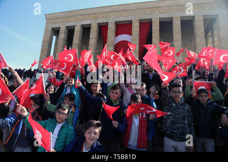 (190423) -- ANKARA, April 23, 2019 (Xinhua) -- Turkish children hold national flags in front of Ataturk Mausoleum to celebrate the 99th National Sovereignty and Children's Day in Ankara, Turkey, April 23, 2019. (Xinhua/Mustafa Kaya) - Stock Photo