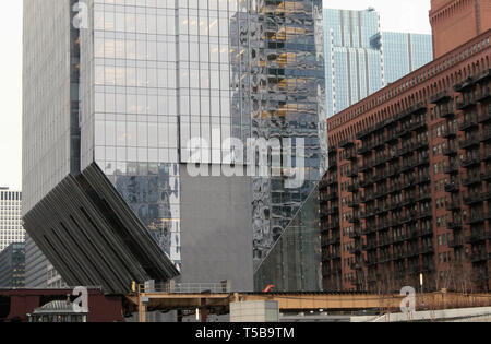 150 n Riverside, a new building in downtown Chicago, Illinois, over the Chicago River - Stock Photo