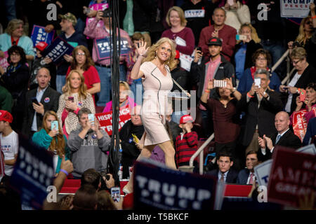Kellyanne Conway introduces Donald J. Trump (R-Ny) as the Presidential hopeful campaigns at the Giant Center in Hersey, Pennsylvania. - Stock Photo