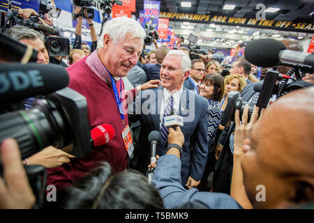 Bob Knight, a.k.a. 'The Coach', with Trumps running mate Mike Pence ahead of the debate. The Democrate and Republican nominees for US President, Hillary Rodham Clinton and Donald John Trump, met on Sep. 26th for the first head to head Presidential Debate at the Hofstra University in Long Island. - Stock Photo