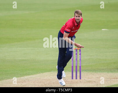 London, UK. 23 April 2019: Matt Quinn of Essex bowling during the Surrey v Essex, Royal London One Day Cup match at The Kia Oval. Credit: Mitchell Gunn/ESPA-Images/Alamy Live News - Stock Photo