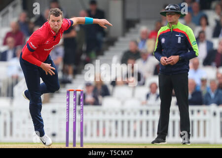 LONDON, UK. 23 April 2019: Peter Siddle of Essex bowling during the Surrey v Essex, Royal London One Day Cup match at The Kia Oval. Credit: Mitchell Gunn/ESPA-Images - Stock Photo