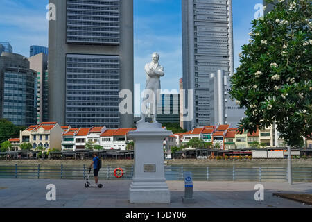 Statue of Sir Stamford Raffles at Raffles Landing Site, opposite Boat Quay, by the Singapore River, colonial district, Singapore - Stock Photo