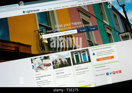 Home page of rightmove.co.uk, the UK online real estate portal and property website. - Stock Photo