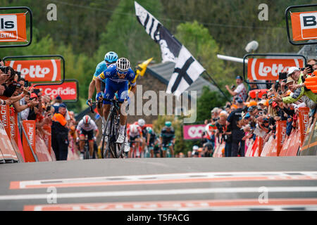 24 april 2019 Huy, Belgium Cycling La Fleche Wallone    Julien Alaphilipe winaar Waalse Pijl mannen wint de Waalse Pijl - Stock Photo