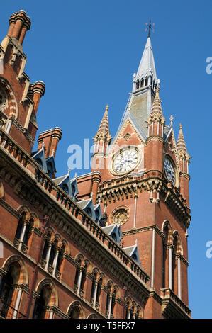 St Pancras Renaissance London Hotel clock tower, St Pancras International Railway Station, Euston Road, London, England, UK - Stock Photo