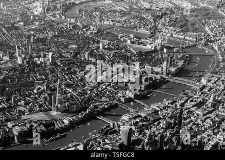Black and white aerial view of the Thames looking southwest towards Southwark - Stock Photo