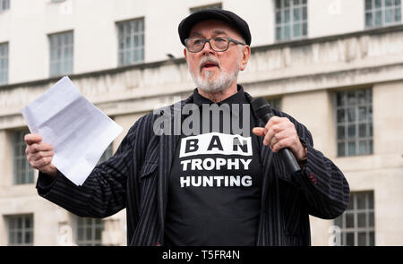 Peter Egan speaking at the London march against trophy hunting and extinction rally at Richmond Terrace, opposite Downing Street, London, UK. - Stock Photo