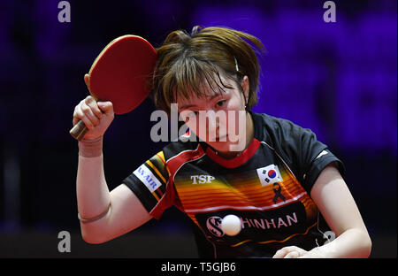 (190425) -- BUDAPEST, April 25, 2019 (Xinhua) -- Suh Hyowon of South Korea competes during the women's singles round of 16 against Ding Ning of China at 2019 ITTF World Table Tennis Championships in Budapest, Hungary, April 24, 2019. Ding Ning won 4-1. (Xinhua/Tao Xiyi) - Stock Photo